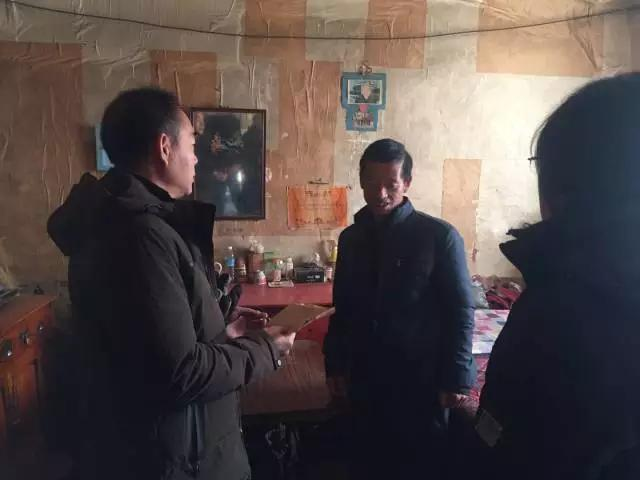 河北省关工委领导走访帮扶涞源贫困学生