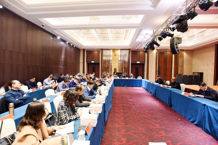 省关工委《企业关心下一代工作经验100例》发行式在济南举行